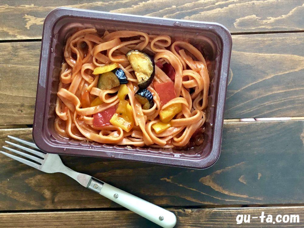 ローソン野菜を食べる生パスタトマトソース