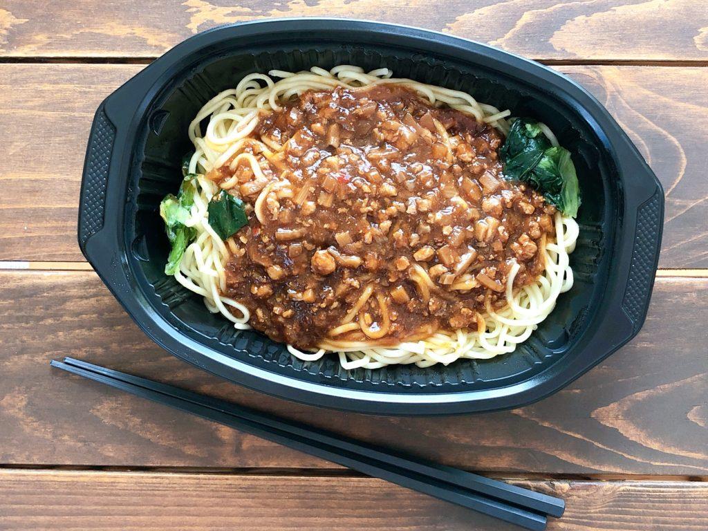 ファミリーマートお母さん食堂濃厚肉味噌ジャージャー麺