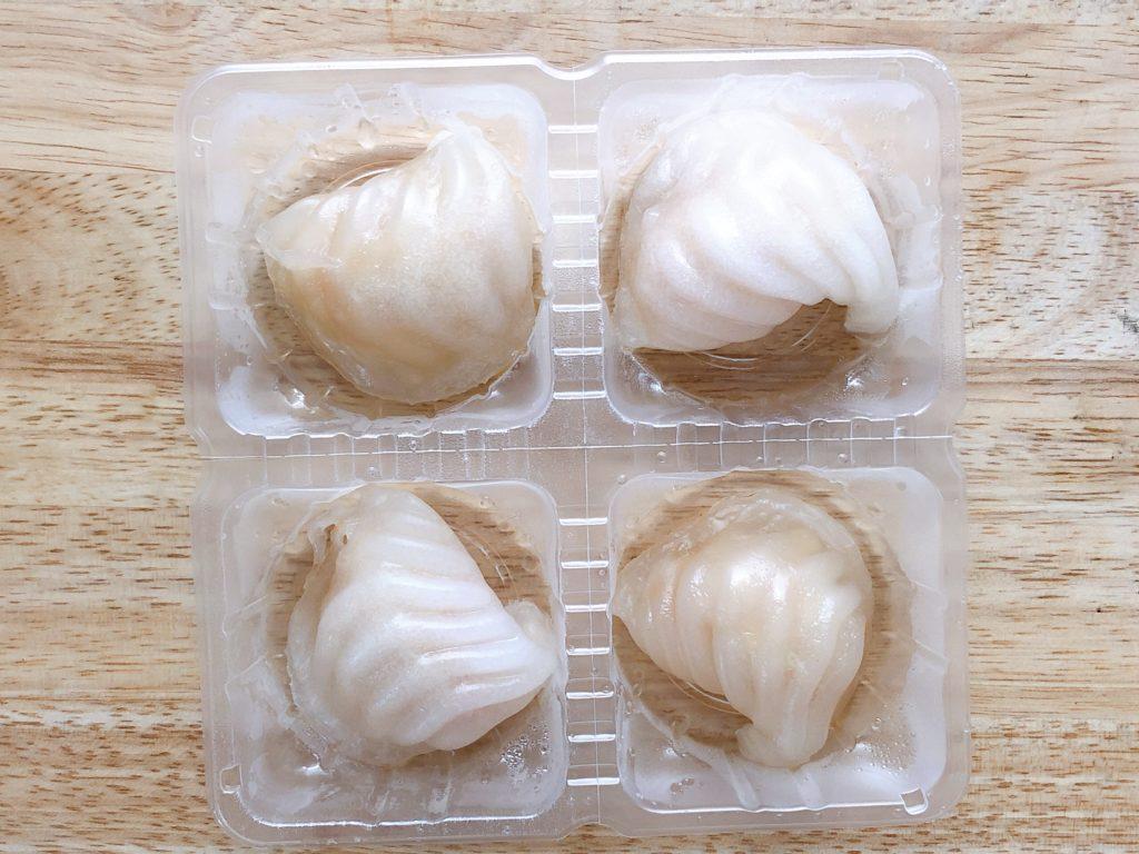 セブンイレブンの冷凍食品『レンジで海老蒸し餃子』は4個入りで約200円