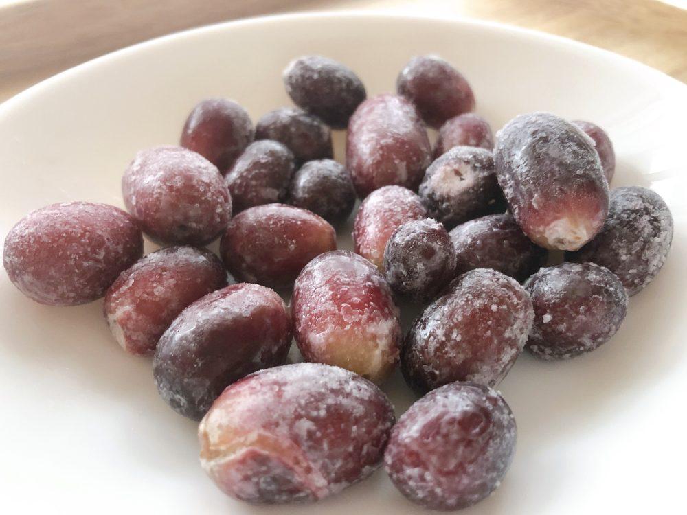 セブンイレブンの冷凍フルーツそのまま食べるぶどう
